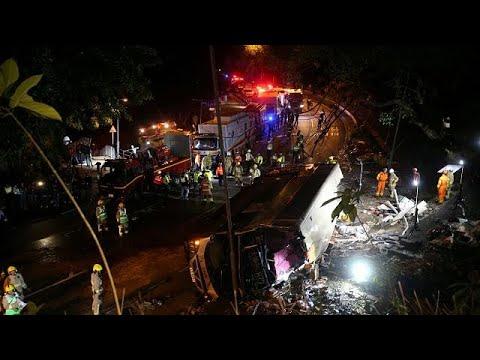 Χονγκ Κονγκ: Δεκάδες νεκροί από τροχαίο