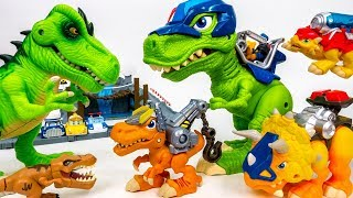 Video These Dinosaurs Bite~! Chomp Squad Vs Bad dinosaurs - ToyMart TV MP3, 3GP, MP4, WEBM, AVI, FLV Maret 2018