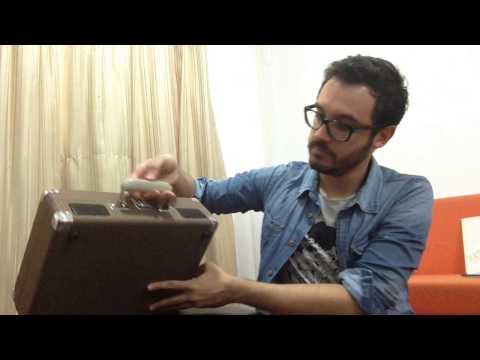 crosley - Probando mi nuevo tocadiscos de Crosley con mi pequeña colección de vinilos. http://www.bepopblog.com.