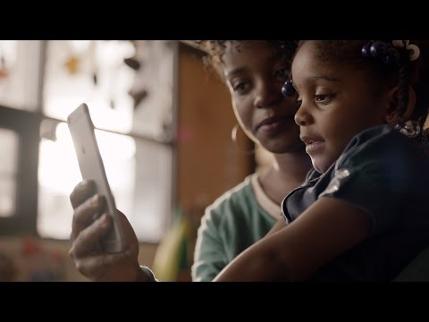 """Apple's demo videos for the iPhone SE, 9.7"""" iPad Pro"""