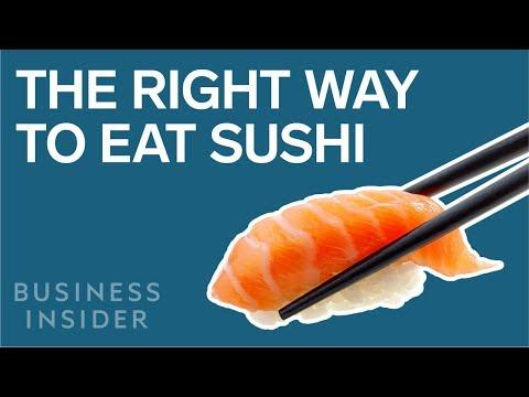Kokki Nobu Matsuhisa näyttää miten sushia syödään oikein