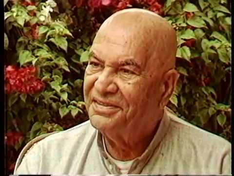 Papaji Video: Papaji Shares a Few Words On His Awakening