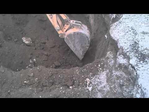 maquinaria para hacer blocks - La superficie esta ciendo excavada con 3 niceles deacuerdo al plano especifico.