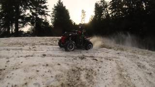 8. Polaris Scrambler 850 4x4 i Yamaha Wolverine 450 4x4 2015