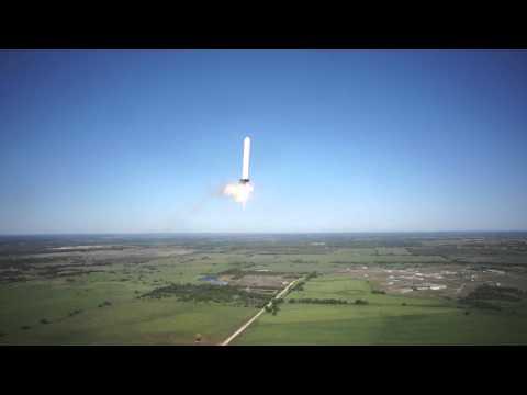 Massiv testraket skickas upp 250 meter upp i luften