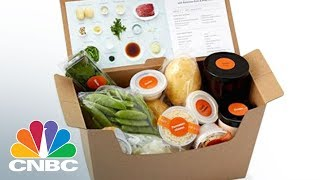 We were able try out Amazon Meal Kit, which is being piloted in Seattle. CNBC's Deirdre Bosa cooks both Amazon and Blue Apron to see which meal kit wins.» Subscribe to CNBC: http://cnb.cx/SubscribeCNBCAbout CNBC: From 'Wall Street' to 'Main Street' to award winning original documentaries and Reality TV series, CNBC has you covered. Experience special sneak peeks of your favorite shows, exclusive video and more.Connect with CNBC News OnlineGet the latest news: http://www.cnbc.com/Find CNBC News on Facebook: http://cnb.cx/LikeCNBCFollow CNBC News on Twitter: http://cnb.cx/FollowCNBCFollow CNBC News on Google+: http://cnb.cx/PlusCNBCFollow CNBC News on Instagram: http://cnb.cx/InstagramCNBCAmazon Vs. Blue Apron: Meal Kit Showdown  CNBC