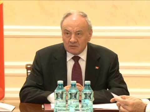 Președintele Nicolae Timofti a semnat un decret de numire în funcție a 13 judecători