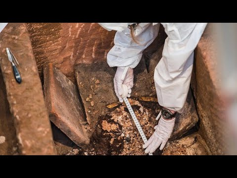 Mainzer Johanniskirche: Archäologische Ausgrabung - tausend Jahre alter Sarkophag geöffnet