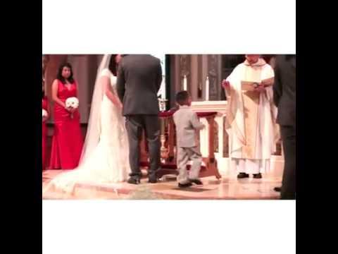 bambino porta gli anelli al matrimonio ma guardate cosa fa al prete!