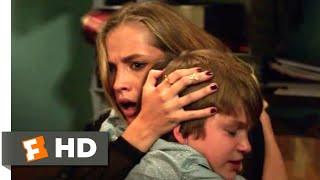 Nonton Lights Out (2016) - Wrong Delivery Scene (4/9) | Movieclips Film Subtitle Indonesia Streaming Movie Download