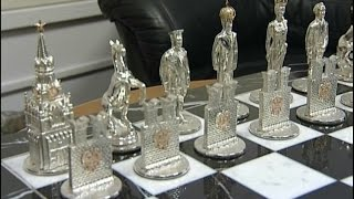 Шахматы за 350 тысяч долларов с королями Путиным и Обамой создал красноярский ювелир