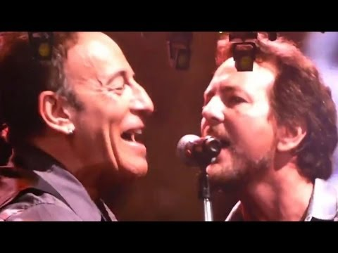VIDEO: Bruce Springsteen & Eddie Vedder