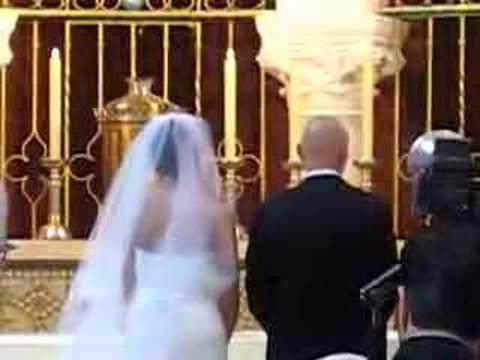 Jess & Lenny Wedding Kiss