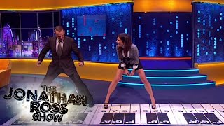 Video Tom Hanks and Sandra Bullock Play Chopsticks - The Jonathan Ross Show MP3, 3GP, MP4, WEBM, AVI, FLV Januari 2018