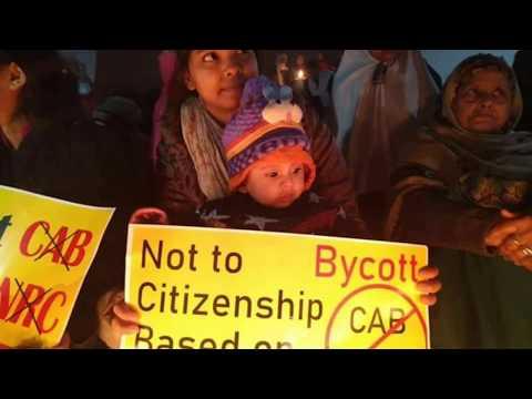 लखनऊ का शाहीन बाग़- CAA -NRC घंटाघर में महिलाओं का अनिश्चित कालीन धरने का दूसरा दिन