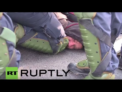 Polizei unterdrückt Protest gegen die AfD in Stuttgart