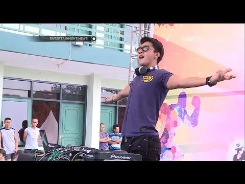 Deva Mahenra Tampil Sebagai DJ di Acara Color Run
