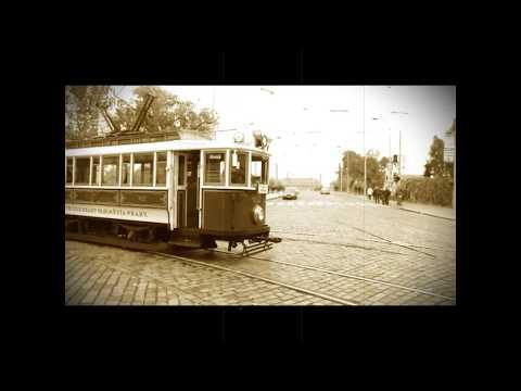 В трамвае старом