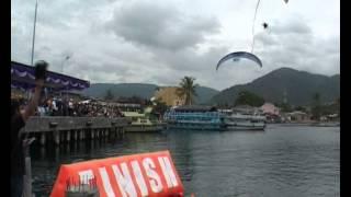 Samosir Indonesia  City pictures : Atraksi Akrobatik Paramotor di Atas Danau Toba Samosir Indonesia