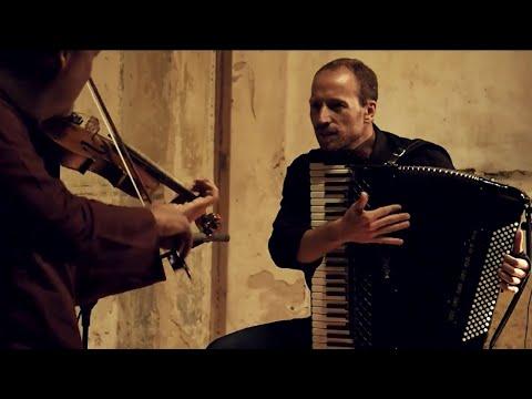 Pavel Fischer & Jakub Jedlinský - NZ 2004 (OFFICIAL MUSIC VIDEO)