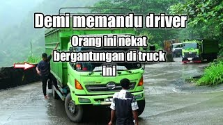 Video LAIN DRIVER NYA LAIN PULA SKILL NYA ketika truck hino nanjak di sitinjau MP3, 3GP, MP4, WEBM, AVI, FLV November 2018
