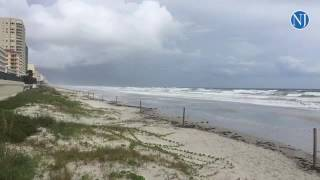 Daytona Beach Shores (FL) United States  City new picture : The tide begins to rise on the coast of Daytona Beach Shores as hurricane Matthew approaches
