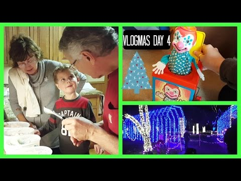 Vintage Toys, Farm & Christmas Lights | Vlogmas Day 4