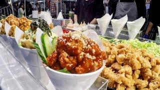 Video Japan Street Food in London. Cooking Pop Corn Chicken, Making Tempura, Preparing Sushi MP3, 3GP, MP4, WEBM, AVI, FLV April 2019