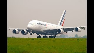 Some huge French whales landing RWY26L at Paris CDG airport !I was so glad to catch these big heavies, it was my first spotting session at Paris CDG !© DoubleH63 - AFR 380s CDG 04/2017