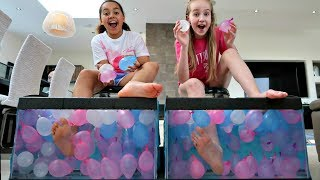 Video WHAT'S IN THE BOX CHALLENGE - UNDERWATER Feet Edition | Toys AndMe MP3, 3GP, MP4, WEBM, AVI, FLV Juli 2018