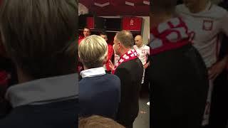Komiczne pytanie do prezydenta Dudy w szatni Polaków. Piłkarze wybuchnęli śmiechem