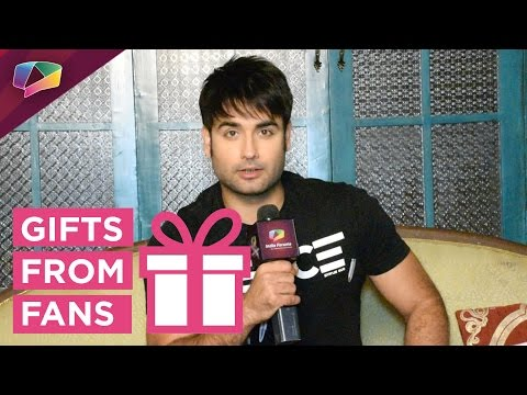 Vivian D'sena Receives Christmas Gifts From Fans