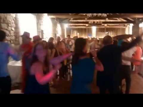 Conga en una boda con La Duendeneta a ritmo de Aretha Franklin