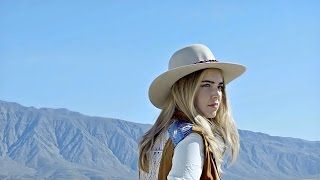 Global fashion icon Chiara Ferragni sets out for an expedition to Anza Borrego Desert to put her skin to the test. The desert is one ...