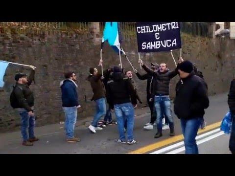 ultras napoli coro per le vie di bologna
