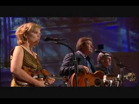 Vince Gill, Alison Krauss, Ricky Skaggs – Go Rest High On That Mountain (Live)