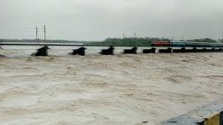 Valsad India  City new picture : Heavy Downpour and Floods in Valsad district of Gujarat, India