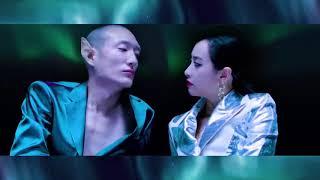 Download Lagu [HD] 宋茜 Victoria -《屋顶着火》Roof on Fire MV Mp3