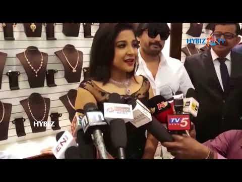 Sakshi Agarwal-Launch of Joyalukkas Jewellery