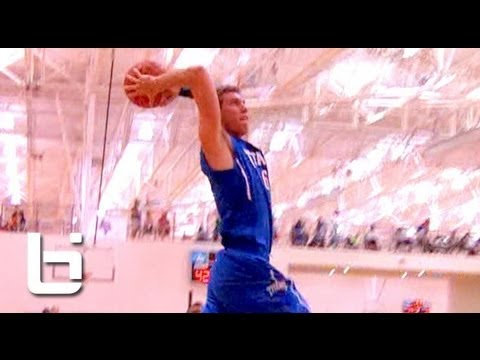 6'7″ Freshmen Mickey Mitchell Is Straight Dominating The Circuit – Best Player In The Class of 2015?