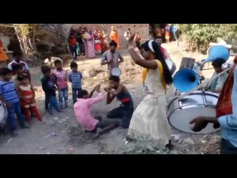 Video लौण्डा नागिन डांस /Super Nagin Dance in Village Band Party | Bhojpuri Nach 2017 download in MP3, 3GP, MP4, WEBM, AVI, FLV January 2017