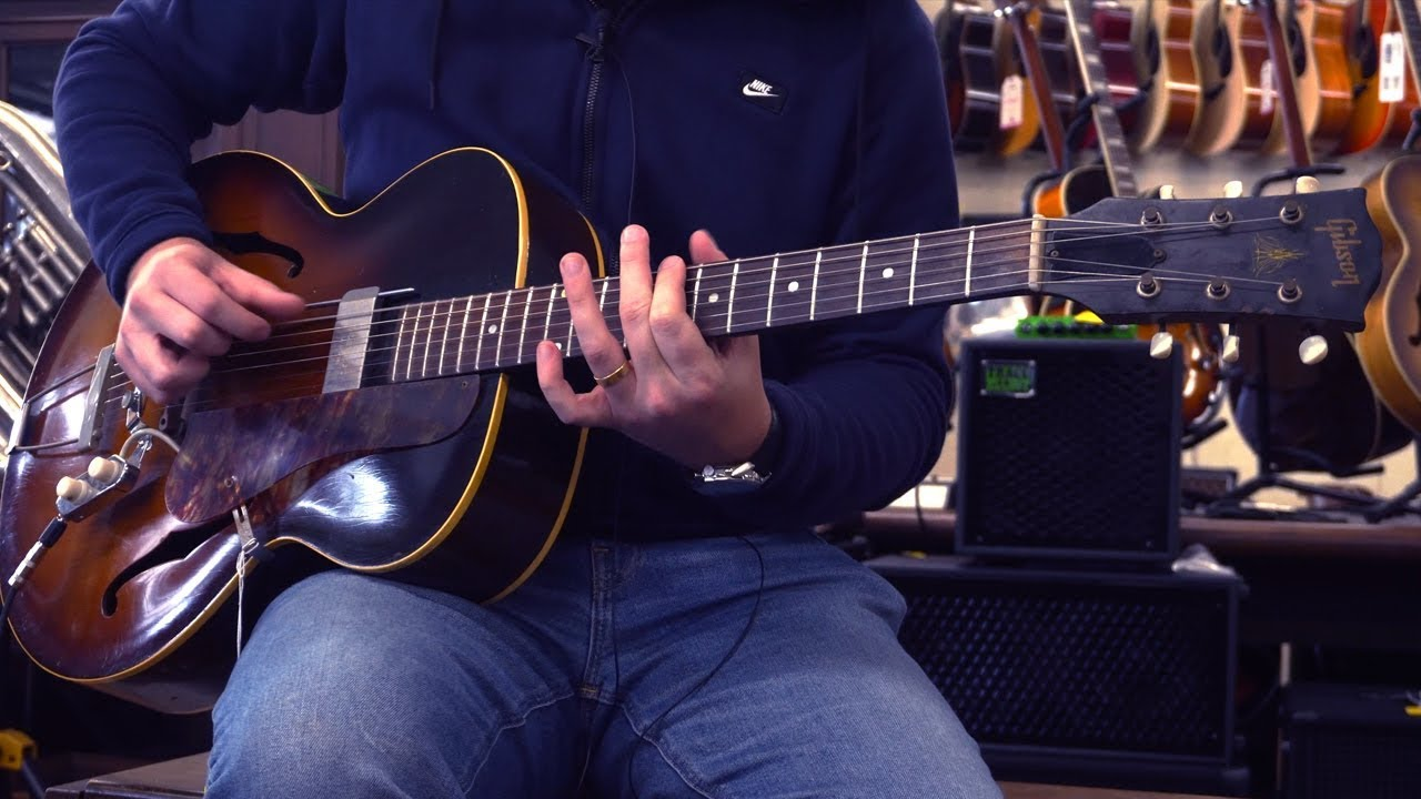 How to Accompany Yourself on Guitar