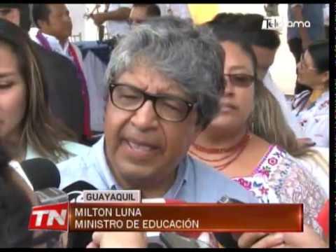 Presidente inauguró Unidad Educativa y periodo escolar en régimen costa