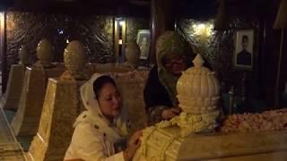 Video Ziarah ke Makam Bapak dan Ibu di Astana Giribangun MP3, 3GP, MP4, WEBM, AVI, FLV Maret 2019