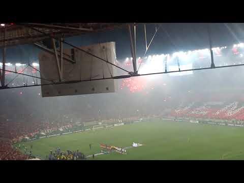 El recibimiento de independiente en el Maracaná Flamengo 1 vs independiente 1 COPA SUDAMERICANA - La Barra del Rojo - Independiente