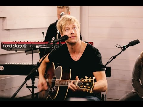 Avenue - Acoustic live at Nova Stage, Radio Nova Finland. 10/2014 00:47 Sweet Symphony 05:50 You Can Never Be Ready 09:52 haastattelu 20:38 Hollywood Hills 24:44 Forever Yours ...