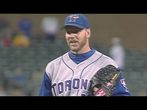 Video: Halladay earns 21st win of '03 with a shutout