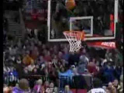 LaMarcus Aldridge scores 31 points against Suns