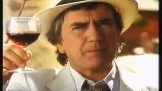 A selection of adverts from the 1990s starring the late actor Dudley Moore (1935-2002).He plays David, a man from Tesco trying to find some free range chickens, but makes some exciting discoveries along the way. Enjoy!
