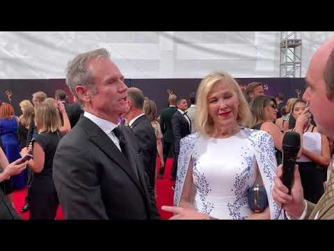 "Catherine O'Hara and Bo Welch (""Schitt's Creek"") interview on 2019 Creative Arts Emmys red carpet"